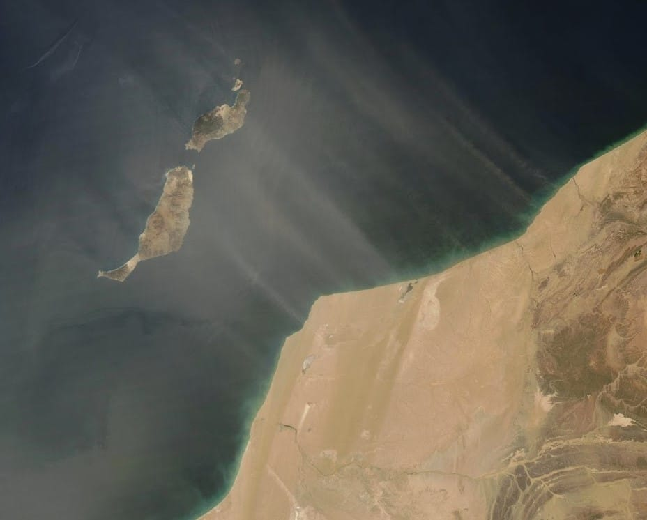 Winds of Calima carry rich African soil to islands in the Atlantic